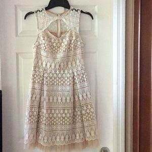 Francesca Ivory & Tan Sleeveless Lace Dress Size M